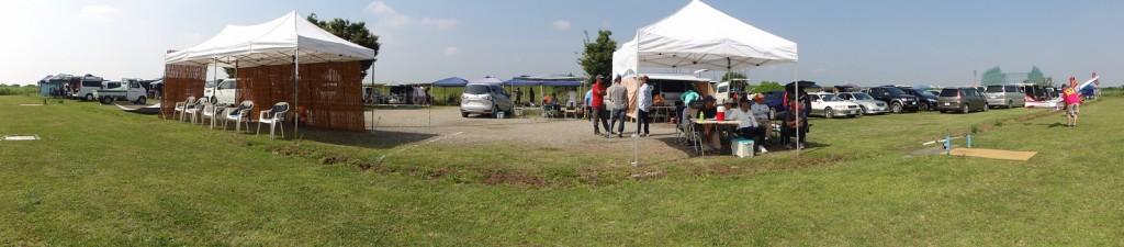競技開始前の駐車場・駐機場の全景